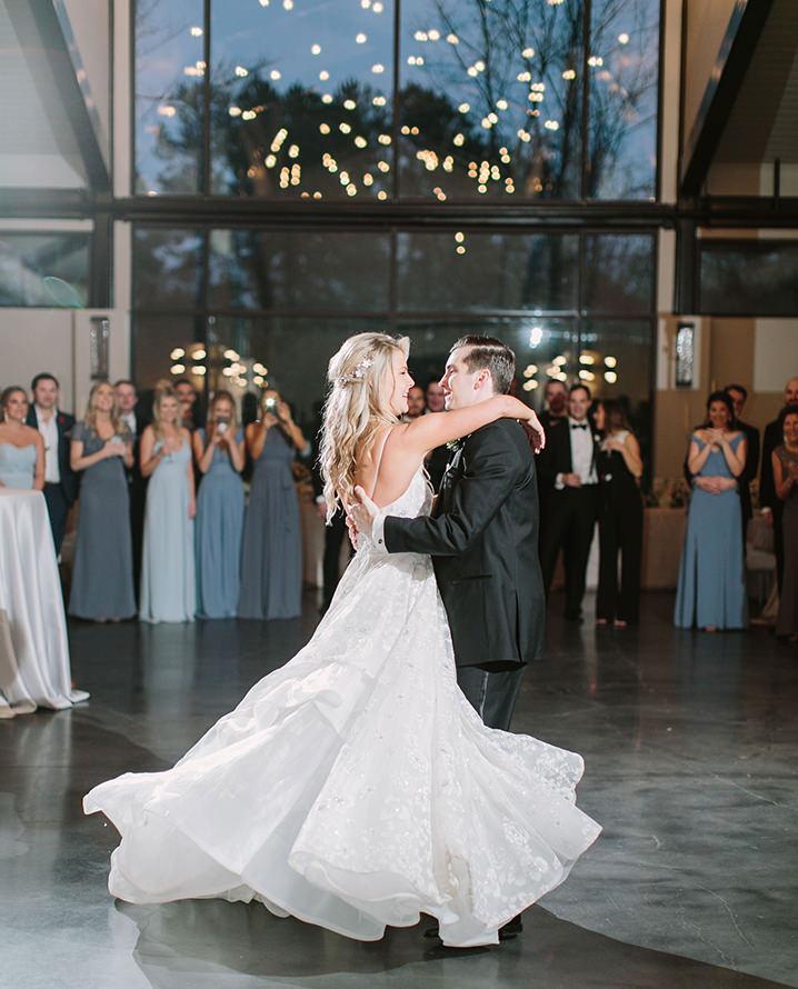 first-dance-wedding-dress-flow-modern-wedding-venue-in-houston