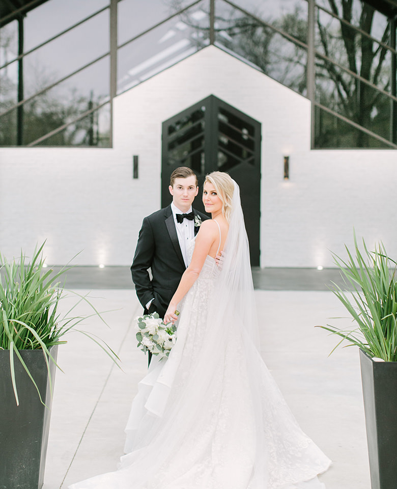 Beautiful Modern Design Wedding Venue near Hudson Oaks Texas