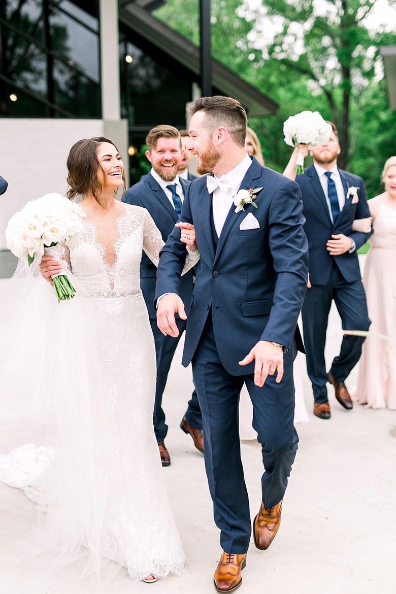 wedding-venue-in-conroe-happy-couple
